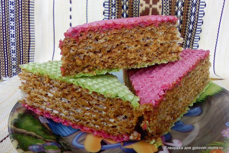 Вафельный торт со сгущенкой был первым тортом, который я приготовила в своей жизни, но до сих пор пользуюсь этим рецептом.