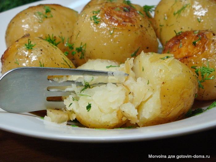 искатель запеченная картошка в мультиварке рецепты с фото красной