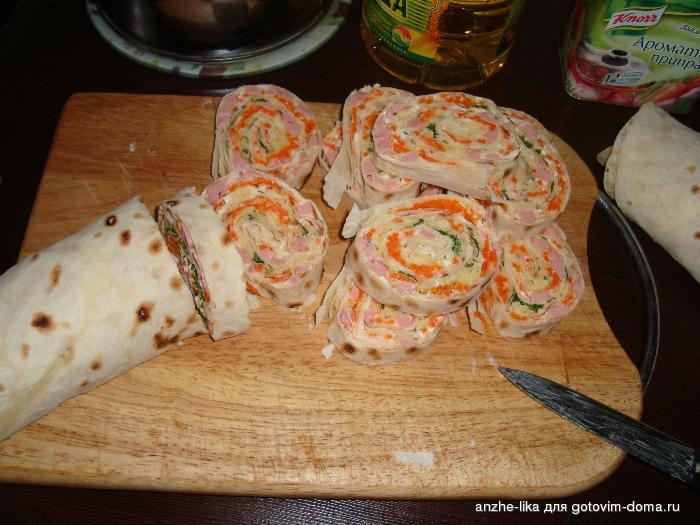 Рулеты из лаваша с разными начинками: рецепты с фото пошагово