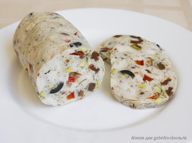 Куриный рулет с оливками и сыром рецепт