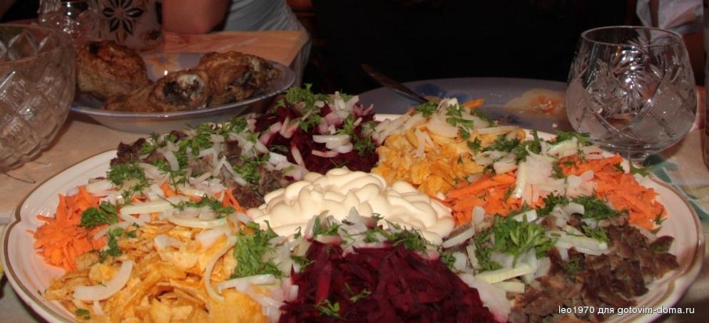 Салат с чипсами и свеклой рецепт с