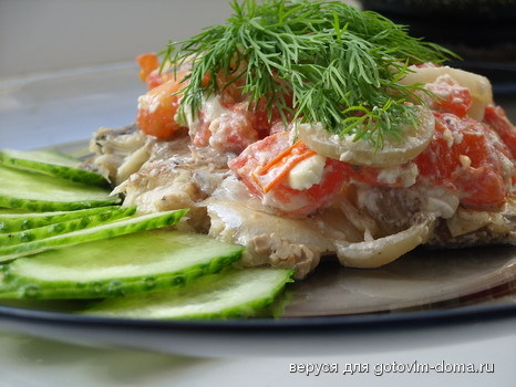 Рецепт скумбрии с помидорами