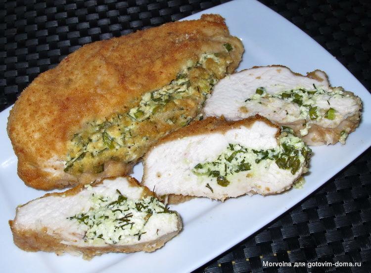 Рецепт куриного филе с творогом и зеленью в духовке