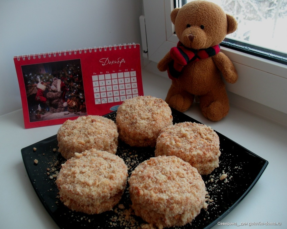 Пирожные получаются нежные, в меру сладкие, вкусные рецепт нашла в интернете.
