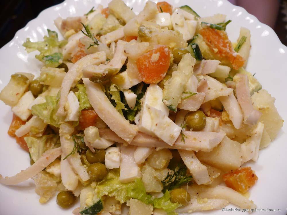 Салат из кальмаров с горошком рецепт