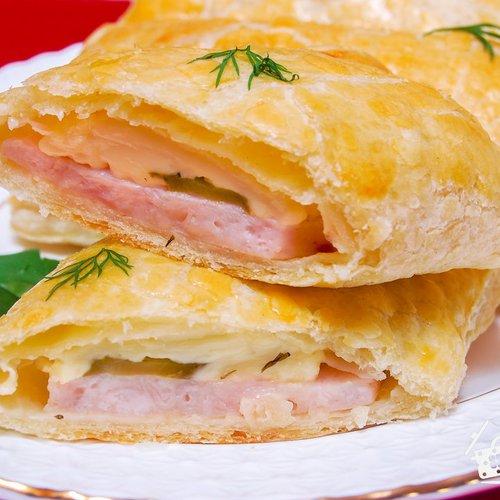 Слойка с сыром и ветчиной - пошаговый рецепт с фото на ... легкий салат с курицей