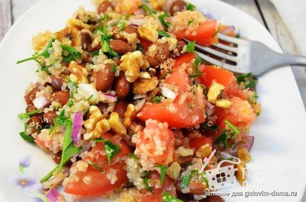 Перуанский салат с киноа и фасолью фото к рецепту 1