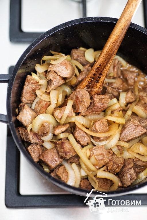 Рецепт мясо в горшочке в духовке с грибами