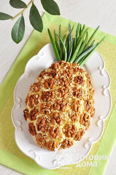 Салат в ананасе фото