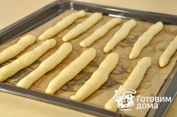Хлебные палочки с сыром и кунжутом – кулинарный рецепт