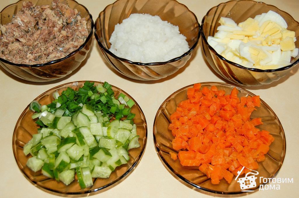 Рецепт салата из горбуши и риса