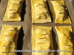 """Слойки """"Яблочные жалюзи"""" фото к рецепту 4"""