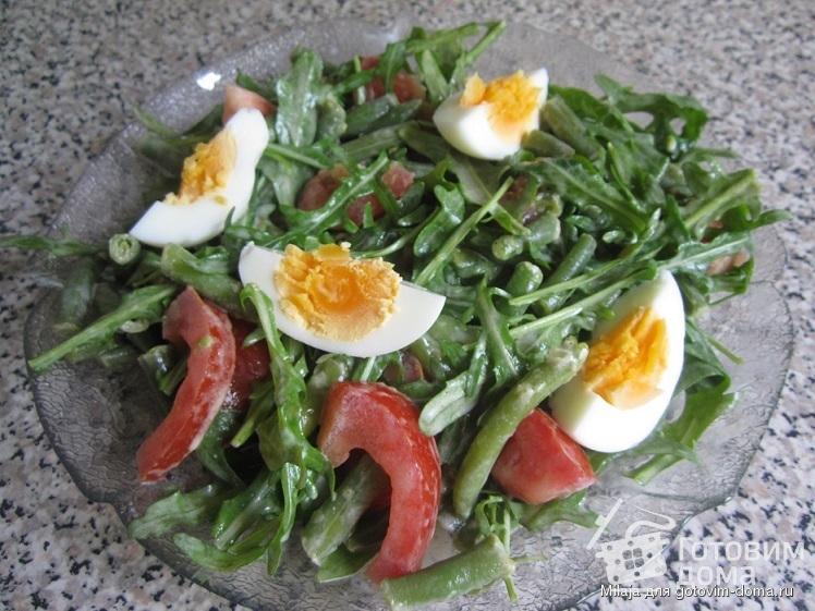 Салат с тунцом помидорами и стручковой фасолью 1