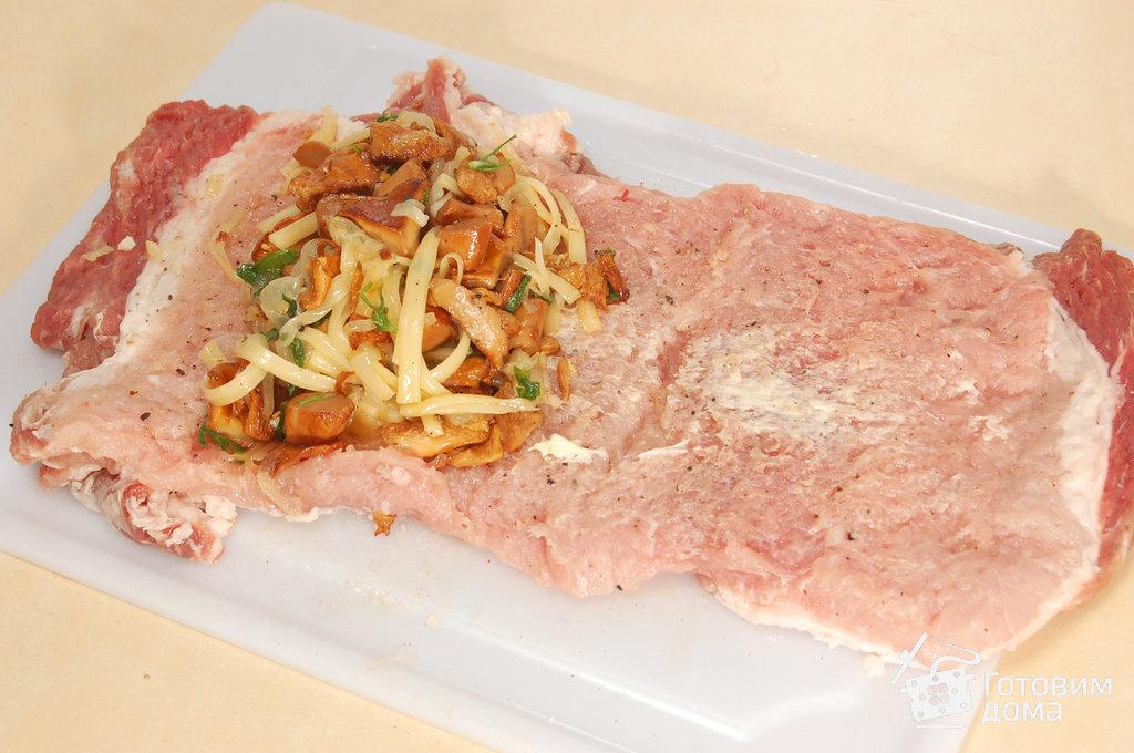 рецепт мясного рулета с грибами и сыром
