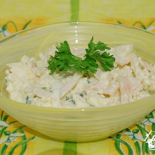 Салат с кальмарами чесноком и плавленным сыром
