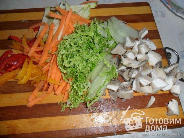 Яки удон тори (лапша удон с курицей и овощами) фото к рецепту 1
