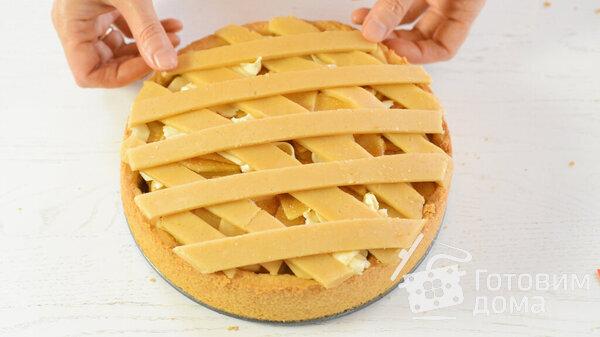 Песочный пирог с яблоками: нежный десерт со сметанным кремом (Фото)