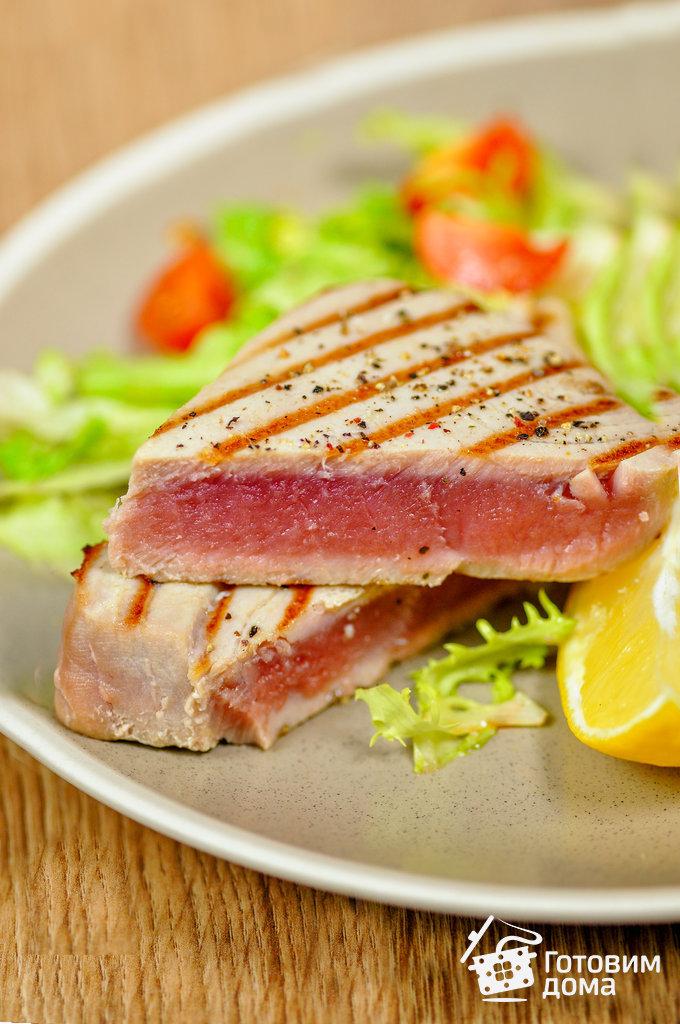рецепт стейк из тунца на сковороде гриль