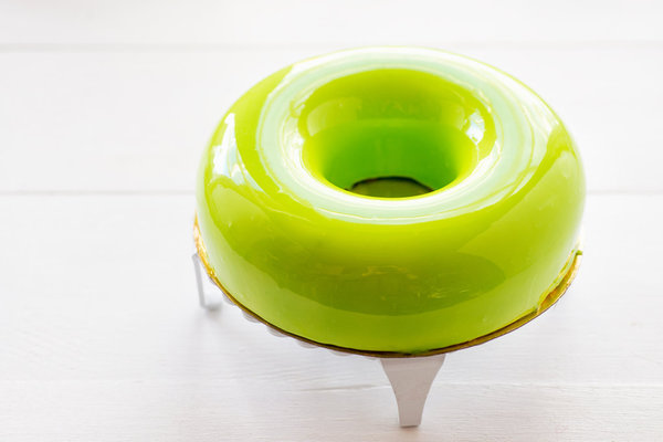 Цветная зеркальная шоколадная глазурь фото к рецепту 10
