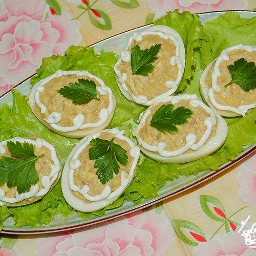 Рецепты фаршированных яиц с печенью трески фото