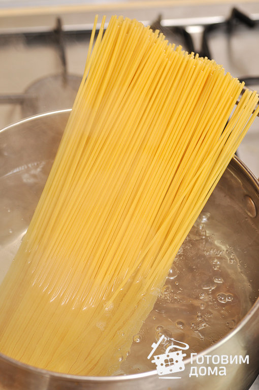 Спагетти с баклажанами в томатном соусе - пошаговый рецепт с фото на Готовим дома