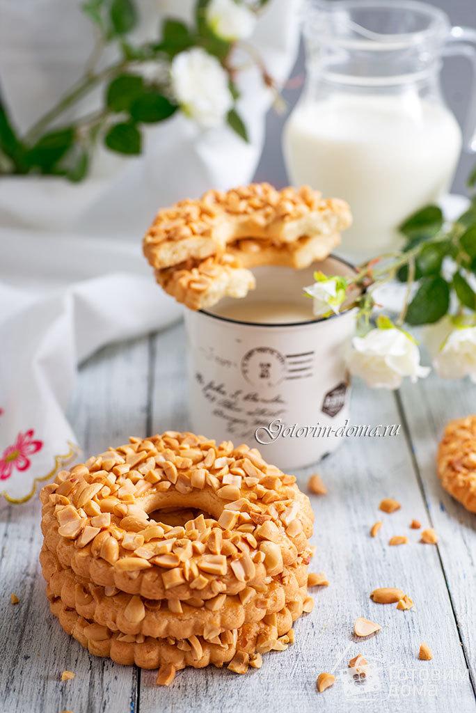 Печенье колечки с орехами