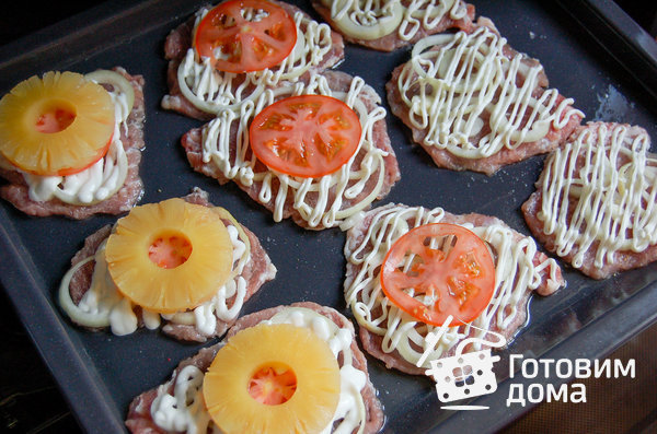 Свинина, запеченная с ананасами фото к рецепту 2