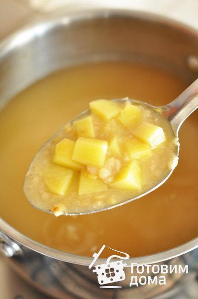 Суп с копчеными ребрышками и гороховыми фрикадельками – кулинарный рецепт