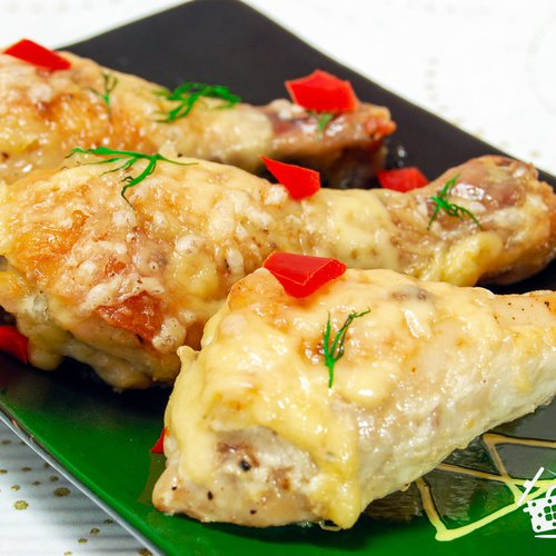 Курица с сыром и чесноком в духовке рецепт