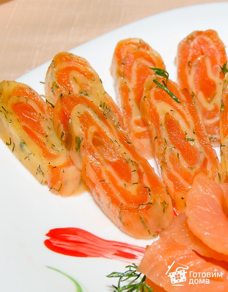 рецепт рулета из лосося на горячие
