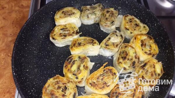 Рулетики из лаваша с грибами и картофелем: рецепт сытной закуски (Фото)3