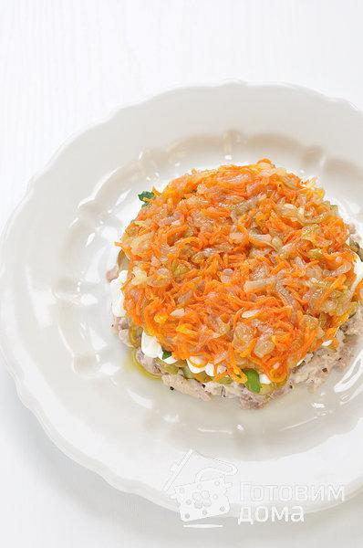 """Салат """"Осенний"""" (с курицей, грибами и маринованными огурцами) фото к рецепту 7"""