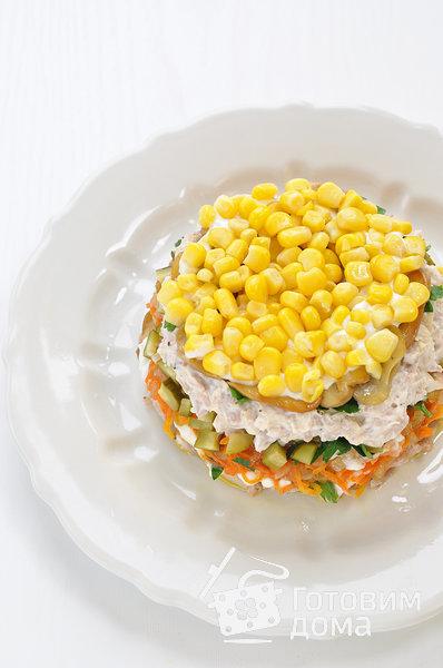 """Салат """"Осенний"""" (с курицей, грибами и маринованными огурцами) фото к рецепту 12"""