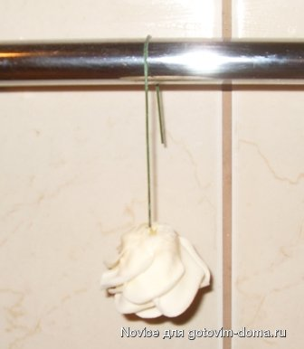 """[МК] Изготовление мастики из """"маршмеллоу"""" и розы из мастики фото к рецепту 24"""