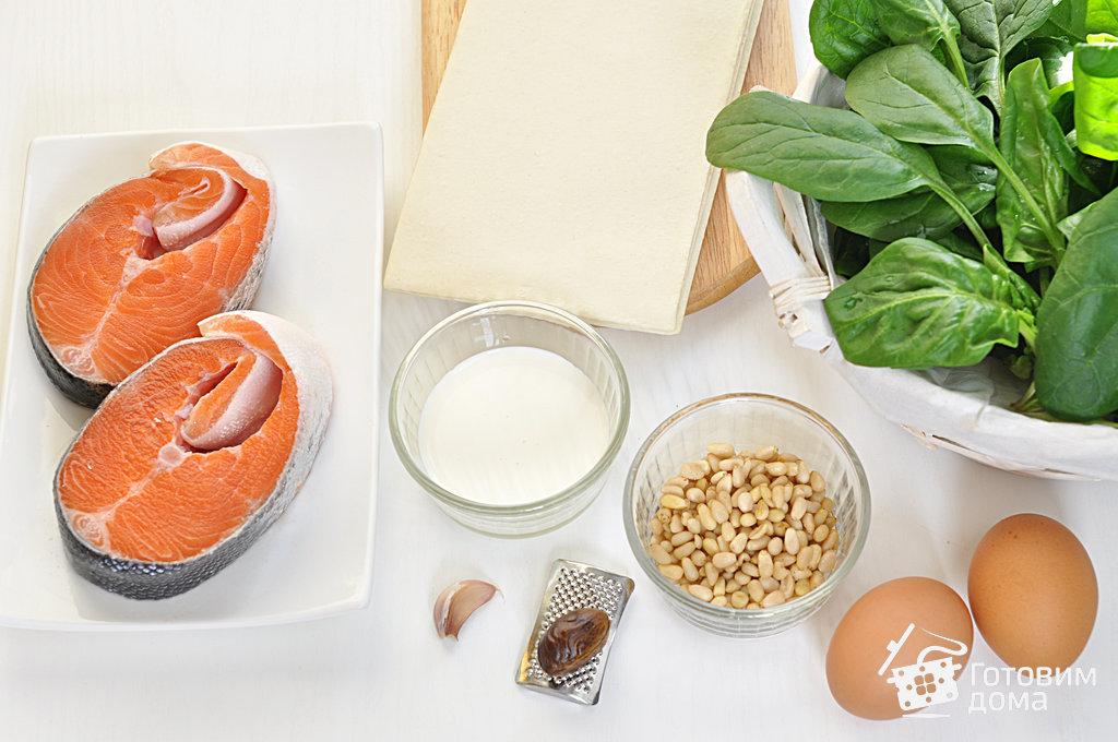 Пирог из слоеного теста с лососем и шпинатом - пошаговый рецепт с фото на Готовим дома